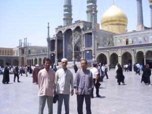 Ahmad Samantho, Aos dan Nasiruddin di Haram Ma'sumeh,  Qom Iran