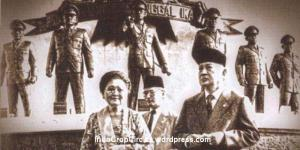 174ba-suharto-ibu-tien-patung-7-jenderal-lubang-buaya